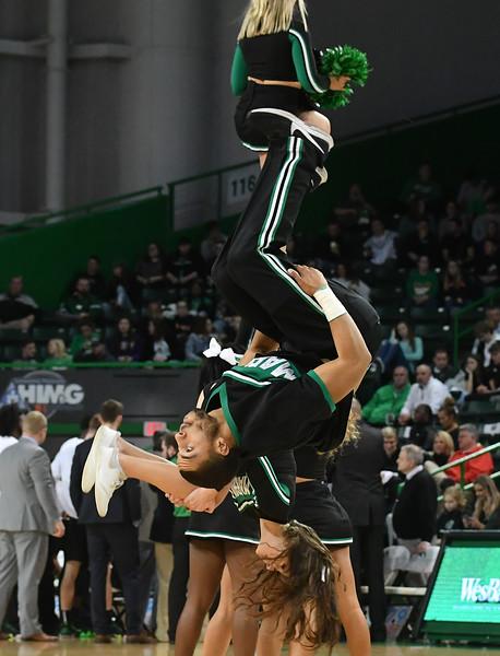 cheerleaders2150.jpg