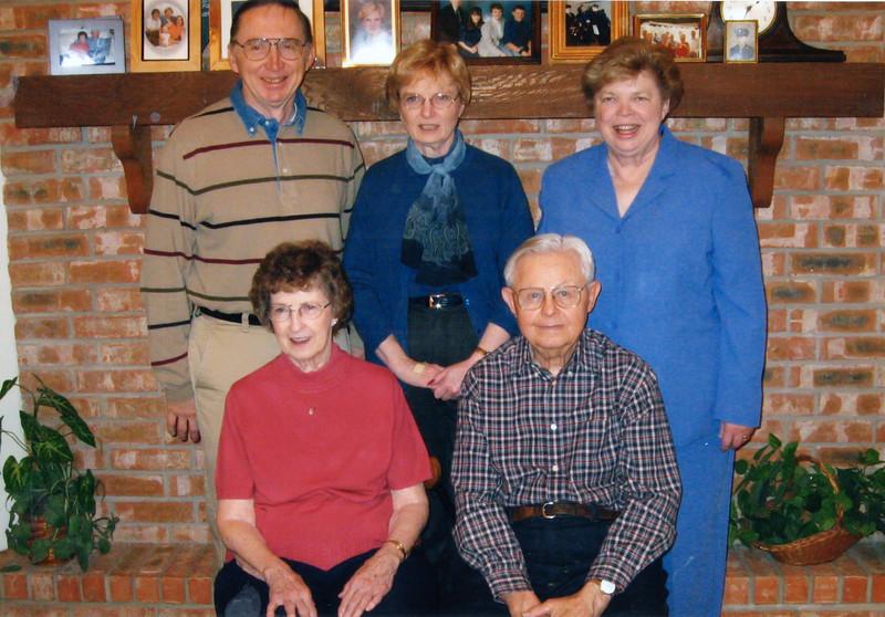 2003-03-02 Family portrait in Fredericksburg 2.JPG
