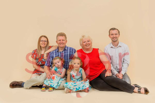 Chloe McArthur Family Photoshoot