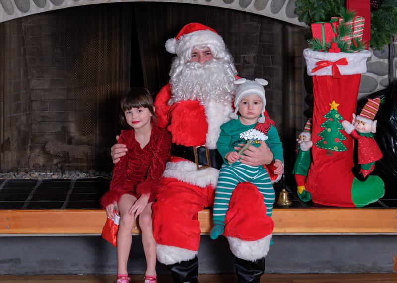 CB Santa 2019-7686.jpg