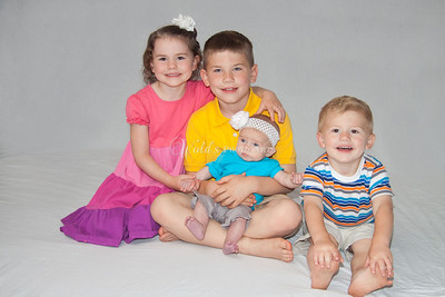 Baby K {3 months} and Siblings
