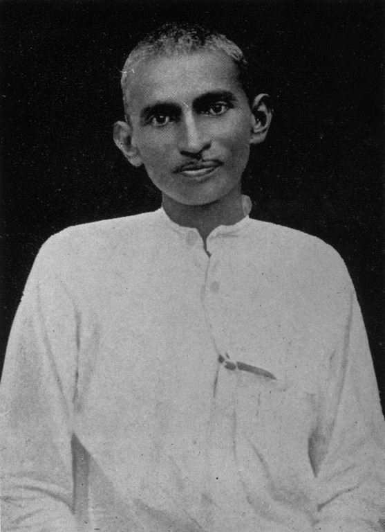 . Mahatma Gandhi (Mohandas Karamchand Gandhi) (1869 - 1948) when a young man in South Africa, circa 1900.  (Photo by Hulton Archive/Getty Images)