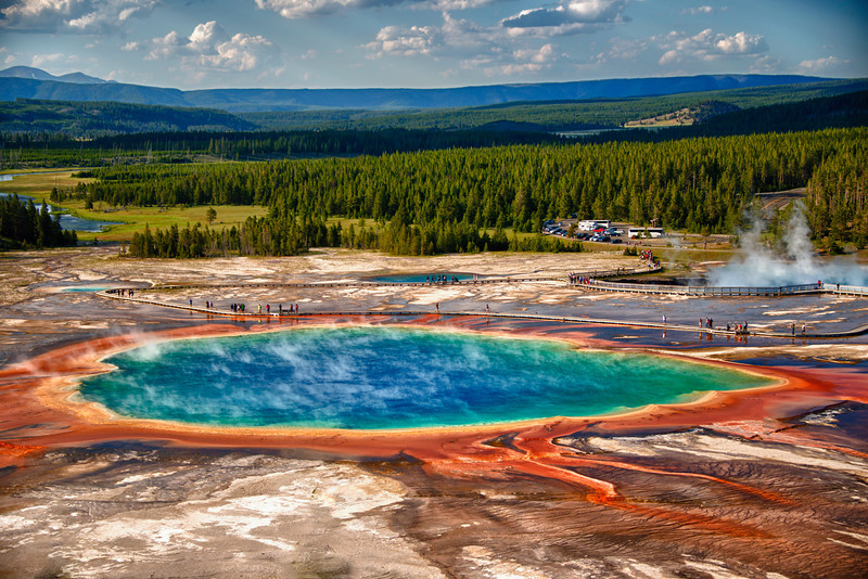 The Grand Prismatic Pool tight view.jpg
