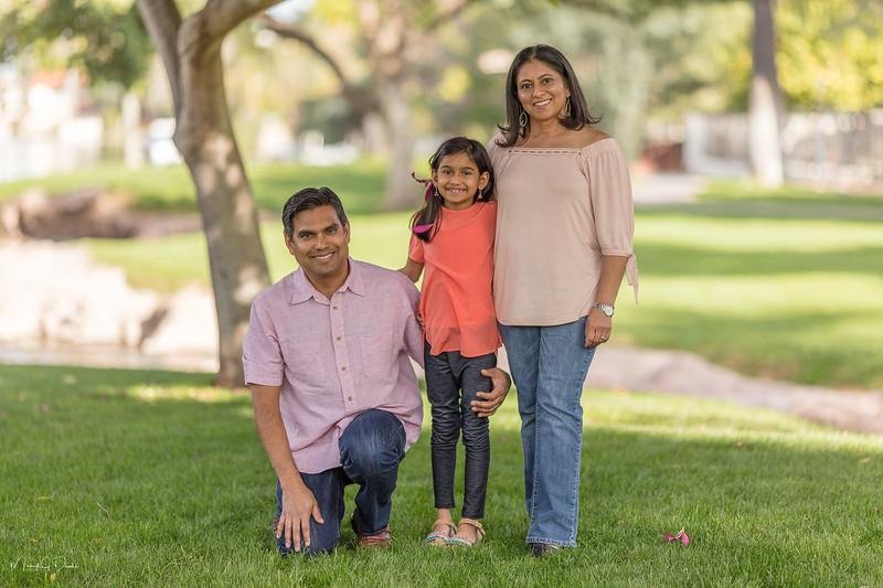 Urvi Family-155.jpg
