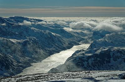Skiing in Jotunheimen