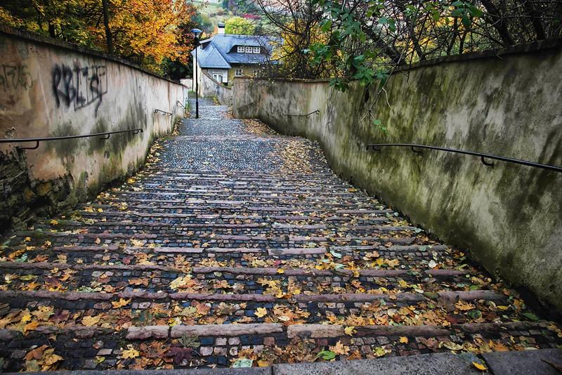 13-09Fall-Prague-98-Edit-2.jpg