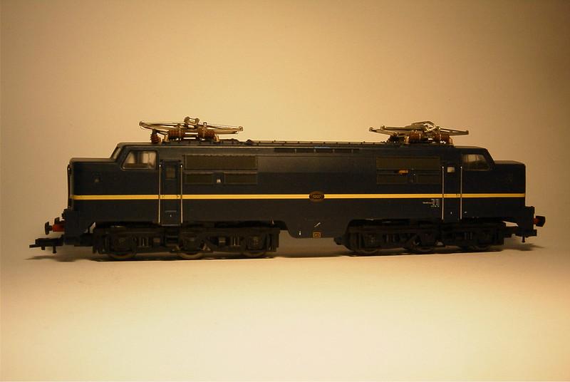 FL 90 4372 ns 1207 bblauw zij.JPG