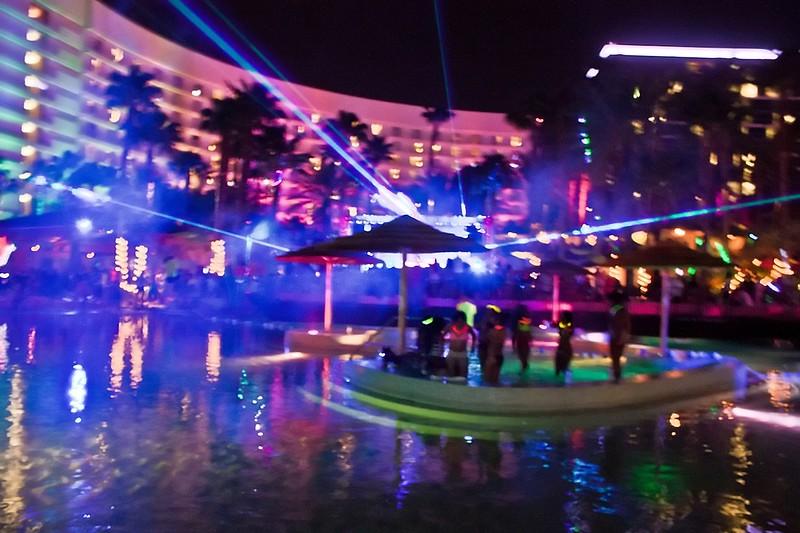 090112 Chris Brown @ Hard Rock Pool (93 of 103)_filtered.jpg