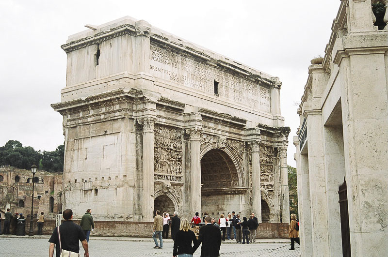Sunday_Foro_Victory_Arch