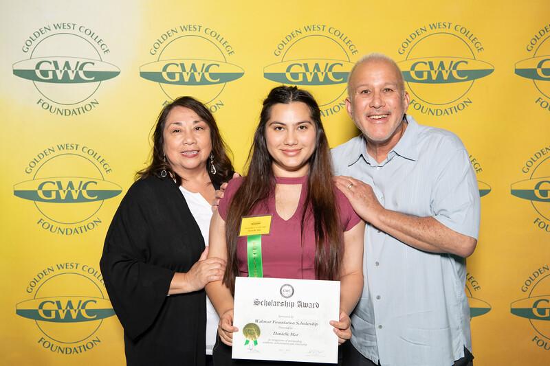 Scholarships-Awards-2019-0881.jpg