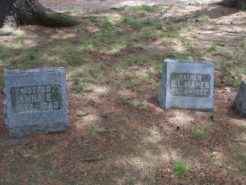 Graves of G.L. Mapes (George) and his wife Anna.