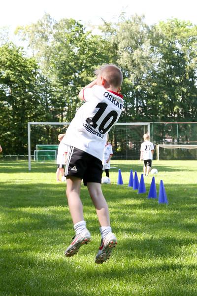 hsv_fussballschule-155_48047991433_o.jpg