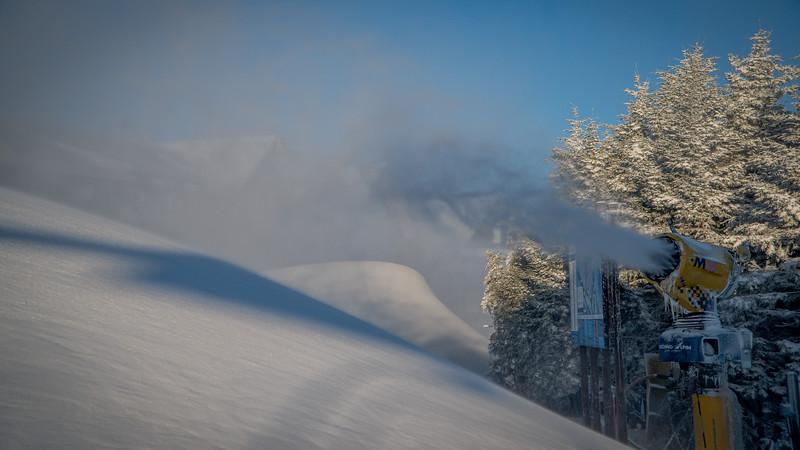 Snowmaking 1920-04749.jpg