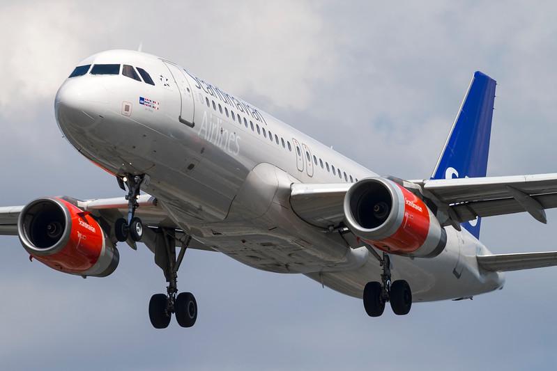 OY-KAL-AirbusA320-232-SAS-CPH-EKCH-2015-06-10-_A7X1611-DanishAviationPhoto.jpg