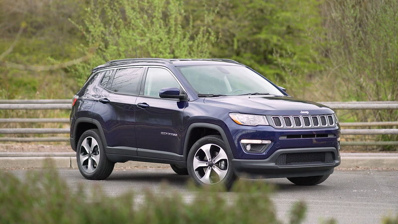 2017 Jeep Compass Latitude 4x4 Parked Reel