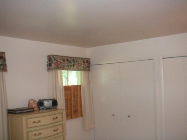 BedroomMaster.JPG