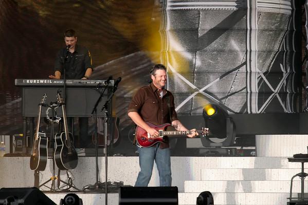 DBKphoto / Blake Shelton Beach Concert 07/31/2014