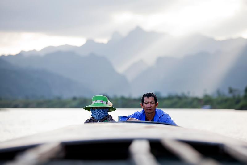 dragon-boat-pilots-phuong-nha.jpg