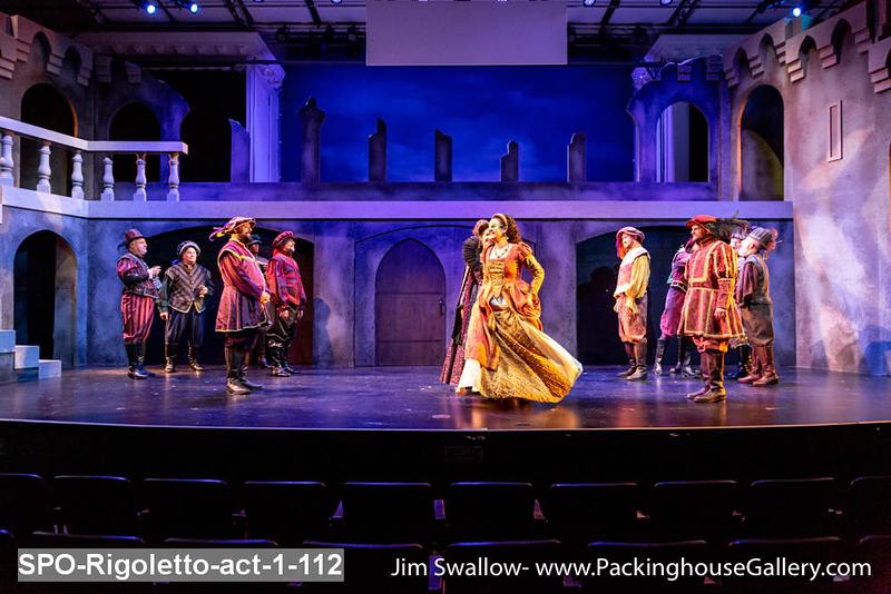 SPO-Rigoletto-act-1-112.jpg