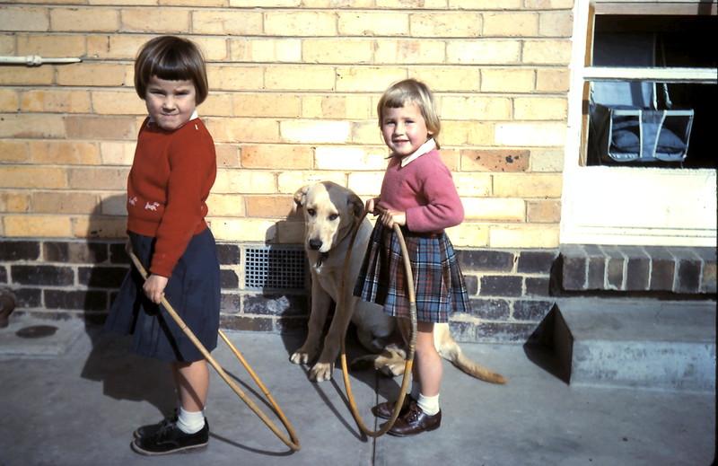 1960-7 (9) Louise 4, & Debbie 3 Holzer.JPG
