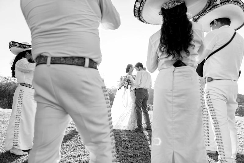 Aly-Grant-3-Newlyweds-24-Edit.jpg