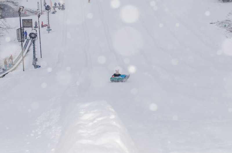 Opening-Day-Tubing-2014_Snow-Trails-71086.jpg