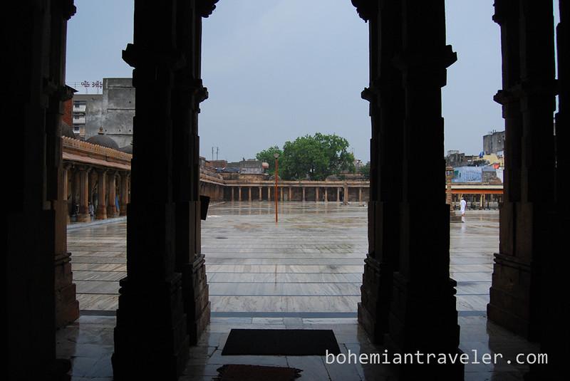 inside Jami Masjid Mosque (1426) Ahmeabad Gujarat India.jpg