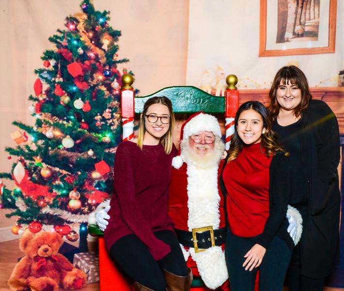 Santa Elmore 2016-12133.jpg