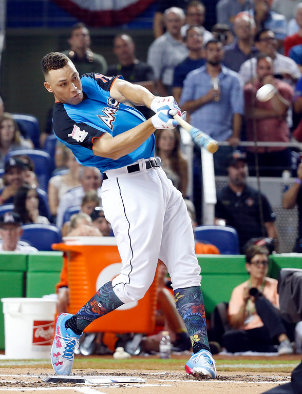 . New York Yankees\' Aaron Judge competes in the MLB baseball All-Star Home Run Derby, Monday, July 10, 2017, in Miami. (AP Photo/Wilfredo Lee)