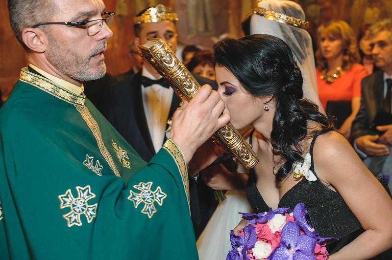 Andreea-biserica-18-October-2014-Nunta--LD2_7718Liviu-Dumitru.jpg