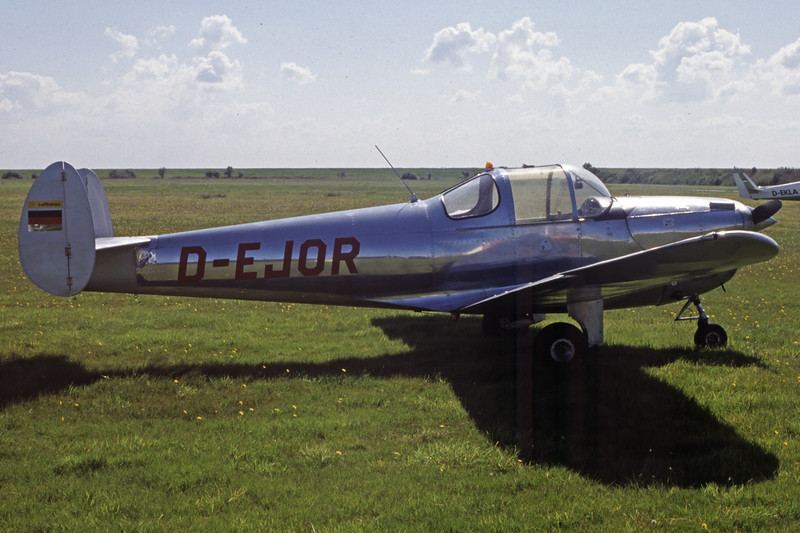 D-EJOR-ErcoErcoupe 415D-Private-EDWG-2002-09-03-ML-50-KBVPCollection.jpg