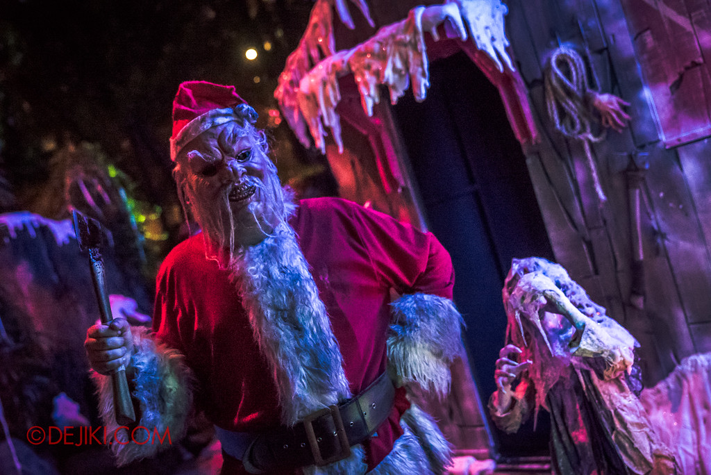 Halloween Horror Nights 7 - Happy Horror Days scare zone / Christmas Day Santa