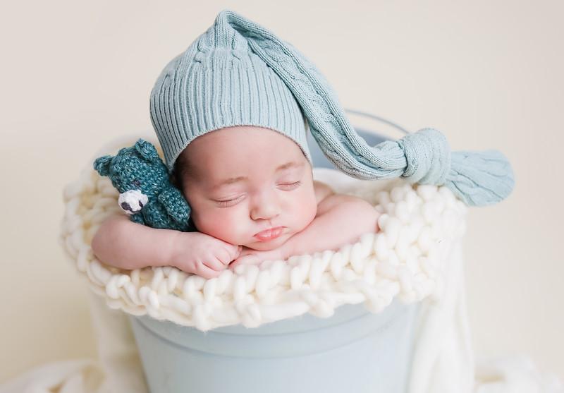 gttttnewport_babies_photography_hot_air_balloon_cakesmash-1097-1.jpg