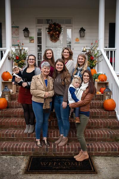 2019 November Ellis Family-204-158.jpg
