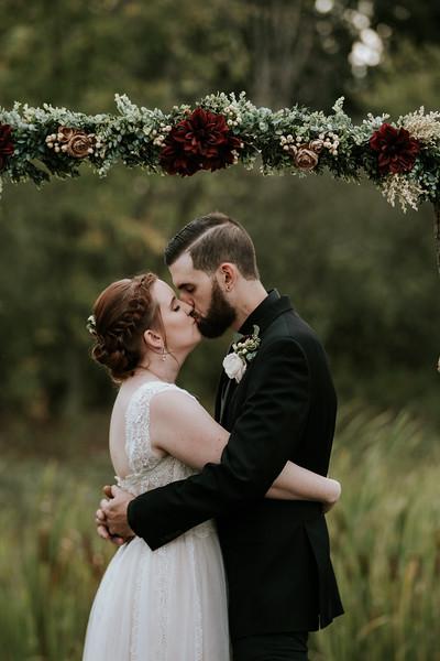rustic_ohio__fall_barn_wedding-317.jpg