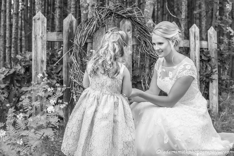 outdoor_rustic_wedding_photos-1.jpg
