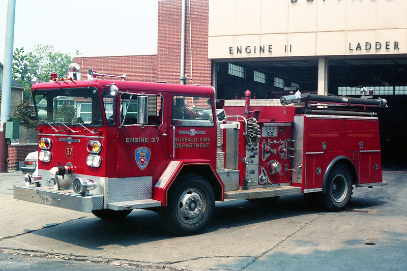 BUFFALO FD  ENGINE 37  1974  ALF PIONEER   1250-500.jpg