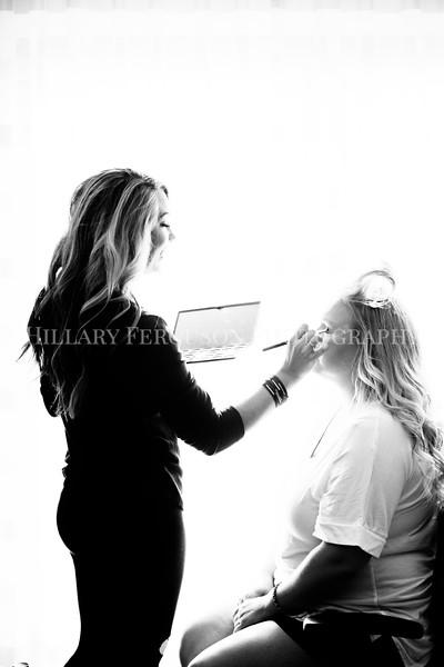 Hillary_Ferguson_Photography_Melinda+Derek_Getting_Ready090.jpg