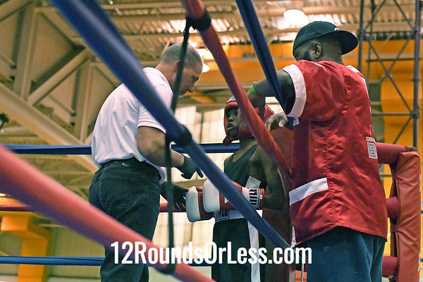 Bout #6: Andre Dotson, Blue Gloves, Cleveland -vs- Carmon McKinstry, Red Gloves, Cincinnati, 70 Lbs