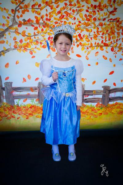 Feranec Halloween Party Kids-10.JPG