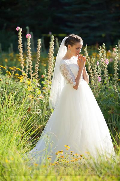 M & M Bridals-083.jpg