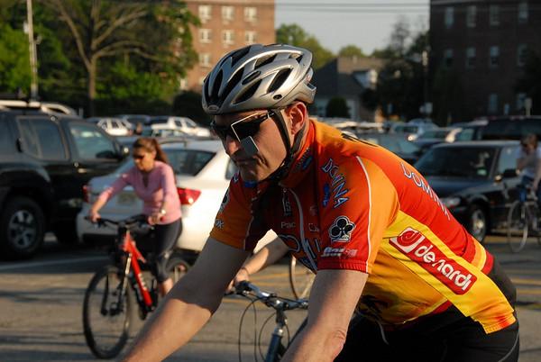 2010-04-30 - Morristown Critical Mass Bike Ride Part 1 Parking Lot