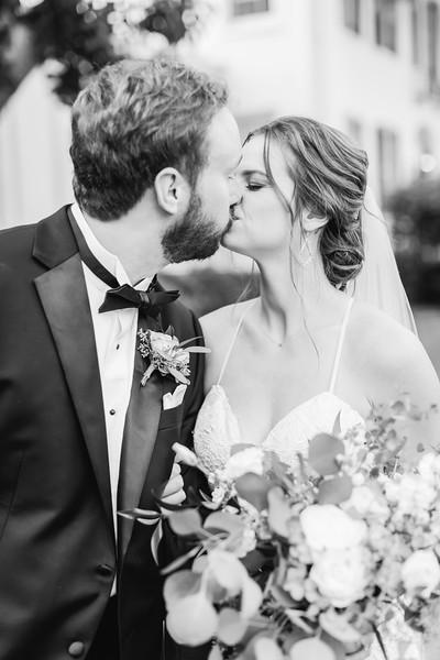 459_Ryan+Hannah_WeddingBW.jpg