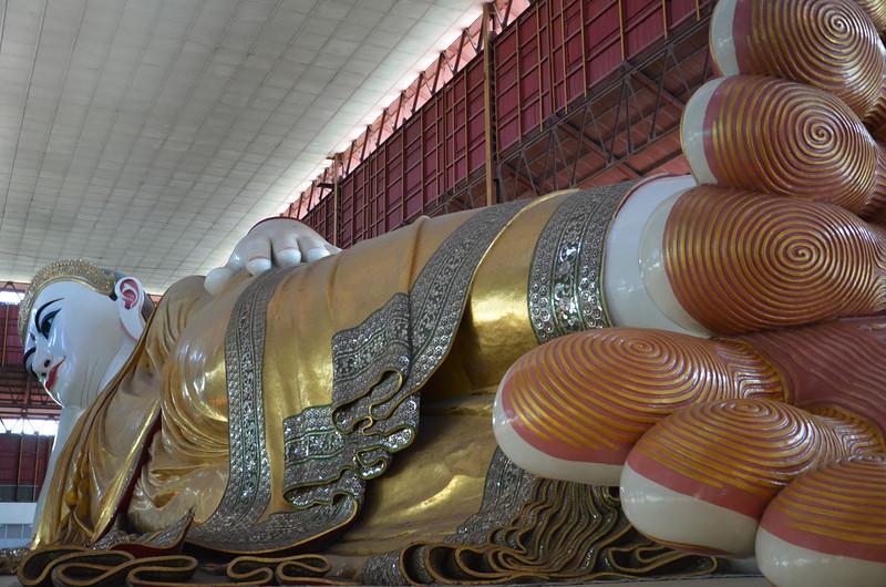 DSC_3702-chaukhtatgyi-paya-reclining-buddha.JPG