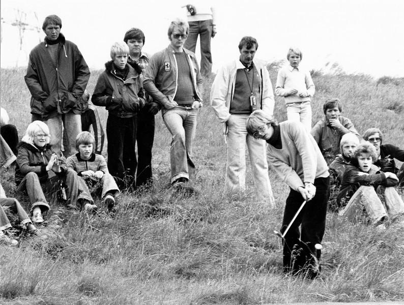 Björgvin Þorsteinsson vippar. Frá 1976.