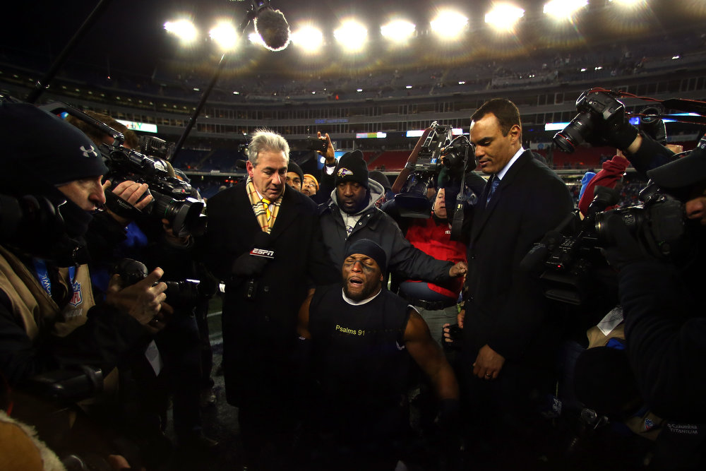 . Ray Lewis #52 of the Baltimore Ravens celebrates after defeating the New England Patriots in the 2013 AFC Championship game at Gillette Stadium on January 20, 2013 in Foxboro, Massachusetts. The Baltimore Ravens defeated the New England Patriots 28-13.  (Photo by Elsa/Getty Images)