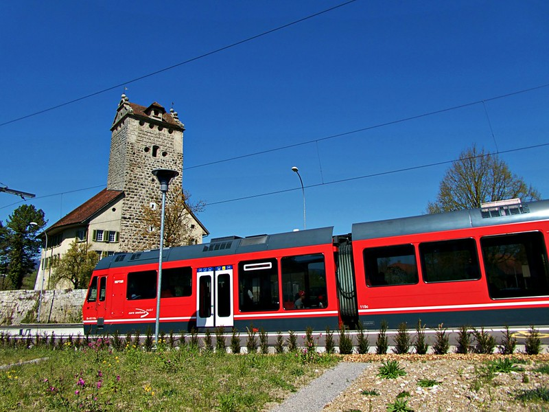 travel to Switzerland on a budget public transport.JPG