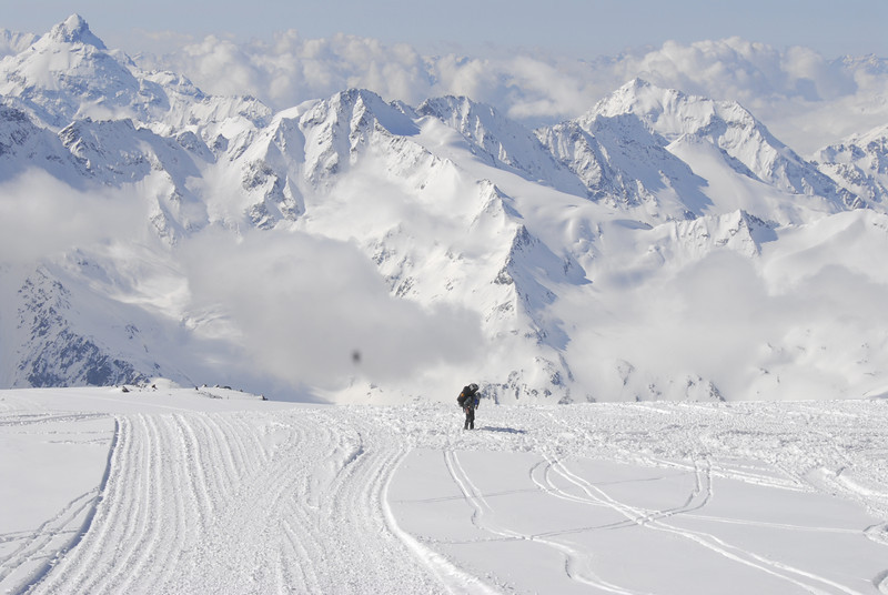 080502 1909 Russia - Mount Elbruce - Day 2 Trip to 15000 feet _E _I ~E ~L.JPG