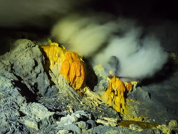 Kawah Ijen - Blue Fire and Brimstone