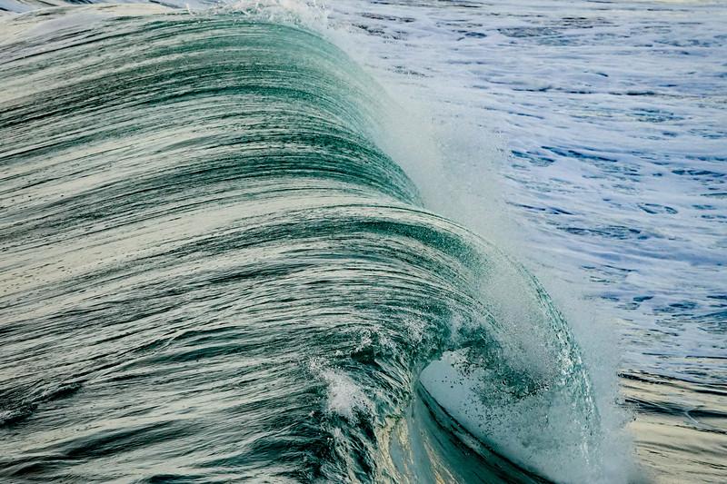 Big waves in Hermosa Beach
